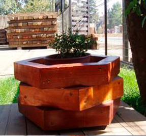 only-hexagonal planter